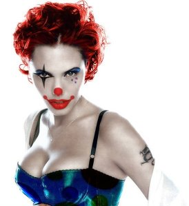 Angelina-Jolie-the-Clown--18148